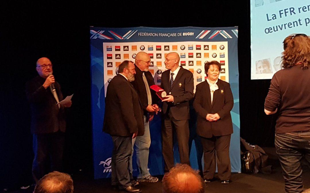 Remise du prix du bénévole de l'année par la FFR attribué à Antoine Colonna!